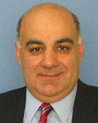 الدكتور مكرم عويس